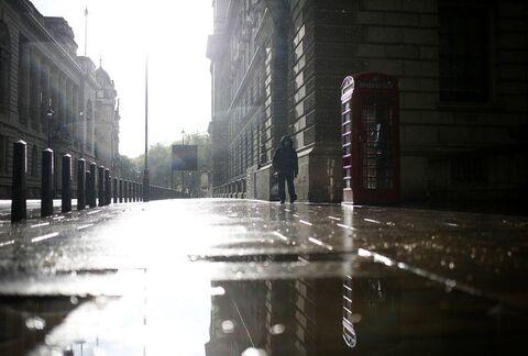 کرونا حدود یک چهارم از شاغلان بریتانیا را خانهنشین کرده است