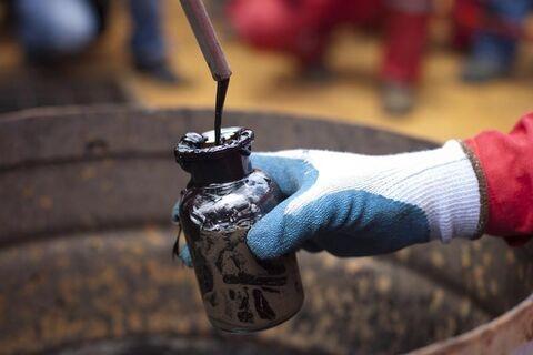 کاهش قیمت نفت تحتالشعاع موج دوم کرونا در آمریکا
