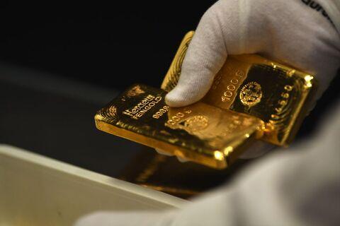 طلا به سطح روانی دو هزار دلار یورش برد