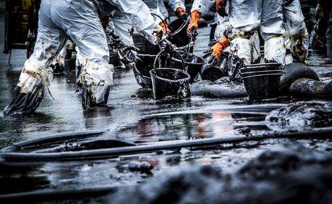 هشدار بانک مرکزی روسیه درباره سقوط بهای نفت به بشکهای ۲۵ دلار
